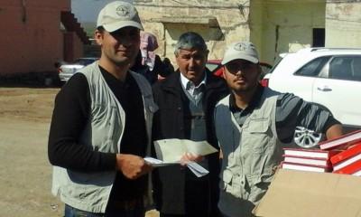 YAQOOB cùng những người bạn làm việc cho Samaritan's Purse
