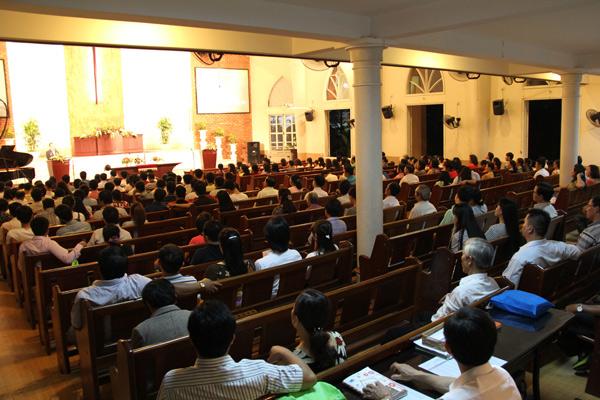Quang cảnh đêm truyền giảng