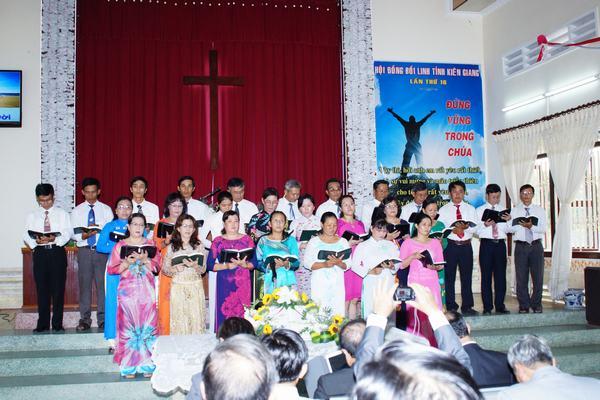 Ban hát Hội Thánh: Mong Thọ - Đá Nổi