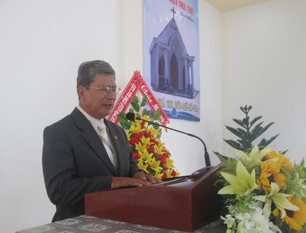 MS Lê Hoàng Long cầu nguyện khai lễ
