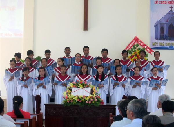 Ban hát lễ HT Hòa Bình tôn vinh Chúa