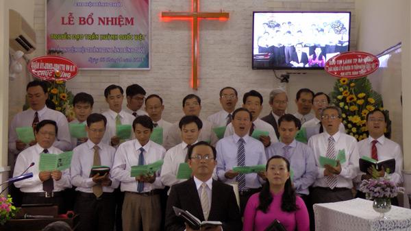 Ban hát Mục sư, Truyền đạo ca ngợi Chúa