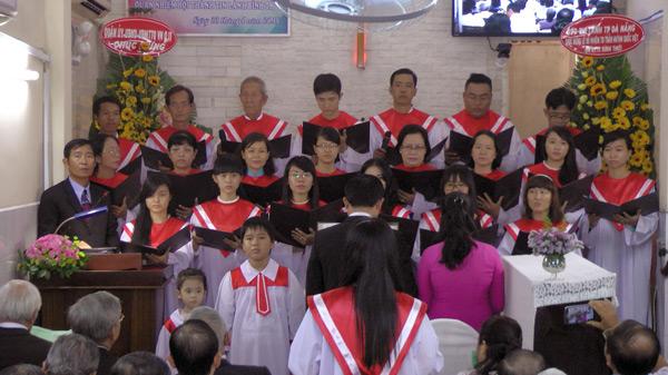 Ban hát Hội Thánh Bình Thới.
