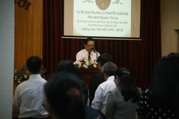 MSNC Nguyễn Đình Tín cầu nguyện.