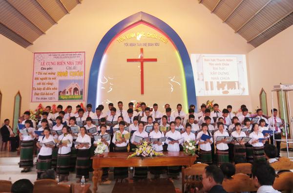 Các ban hát tôn vinh Chúa