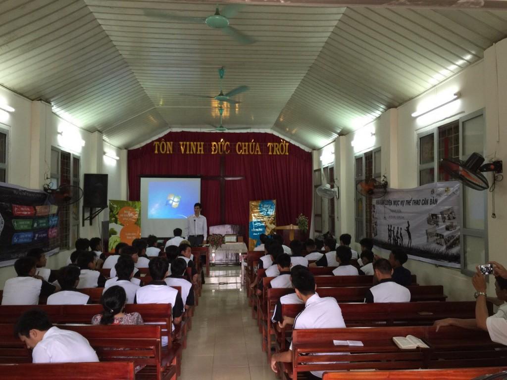 Học Lời Chúa trong nhà thờ