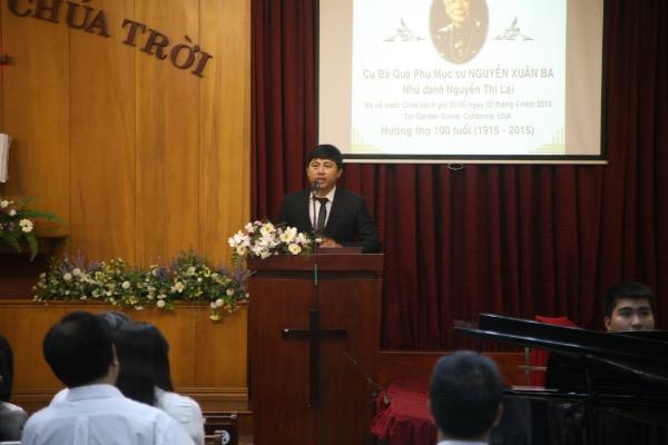 Hướng dẫn chương trình anh Lê Văn Báu.