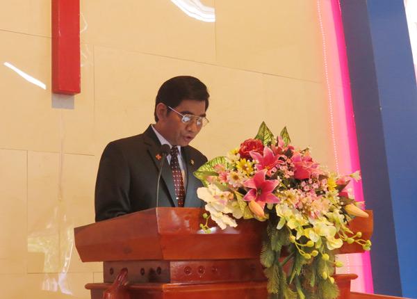 MS Y Djrên cầu nguyện khai lễ
