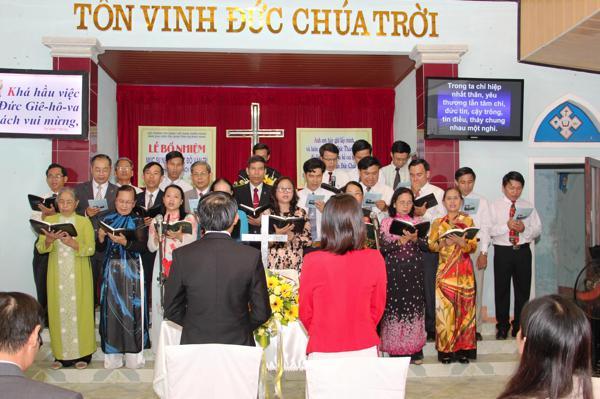 Ban Hát Quý MS-TĐ tôn vinh Chúa