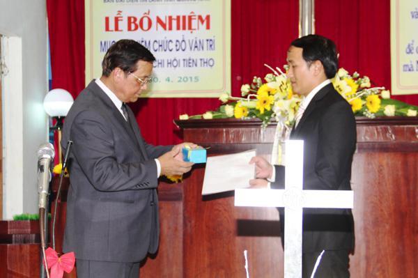 MS Phan Ân cử hành Nghi thức Bổ nhiệm và trao Giáo vụ lệnh, Ấn tín cho MSNC Đỗ Văn Trí – Tân Quản nhiệm HTTL Tiên Thọ