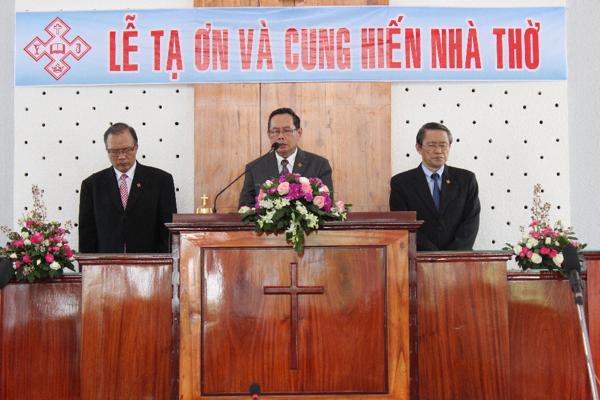 Mục sư Nguyễn ngọc Thuận - Phó Tổng Thư ký cầu nguyện Cung hiến