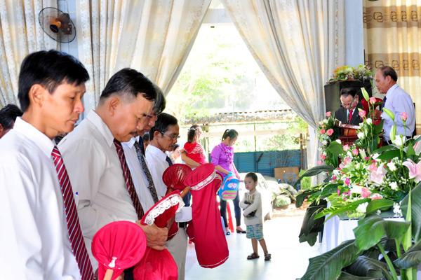 Cầu nguyện dâng hiến trong Hội đồng