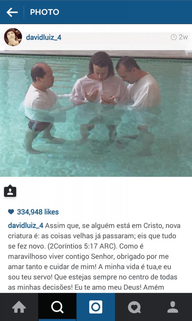Hình ảnh và những chia sẻ về đức của David Luiz trên Twitter.