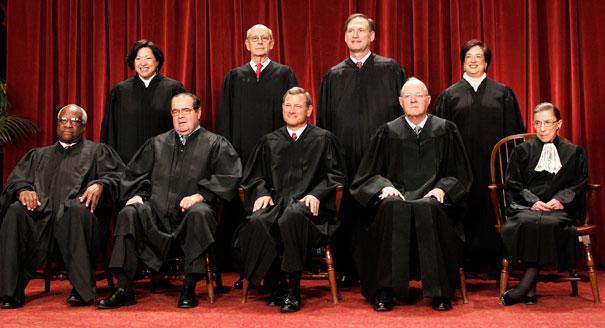 9 thành viên của Toà án tối cao Hoa Kỳ.