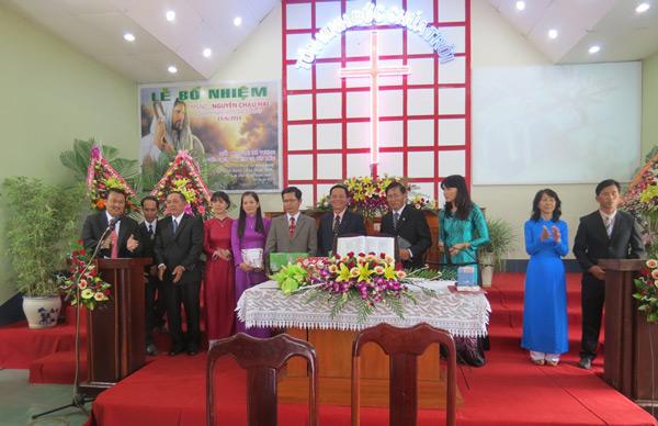 Ban Chấp sự Hội Thánh Ea Drăng tri ân các tiền nhiệm và hoan nghênh Tân Quản nhiệm