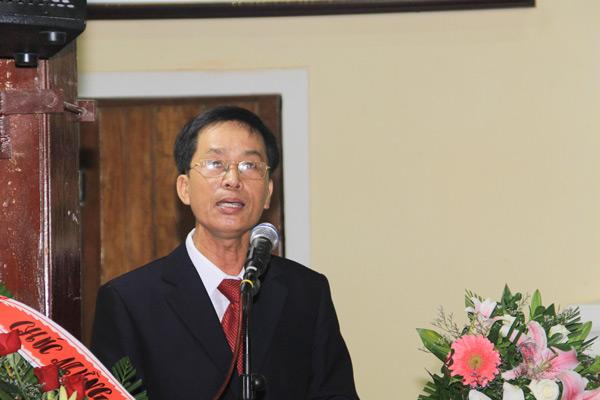 Ông Trần Thanh, Thư ký Hội Thánh hướng dẫn chương trình