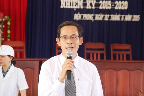 MSNC Ông Văn Tín, Trưởng Ban YTXH có lời phát biểu cùng bà con đến khám bệnh