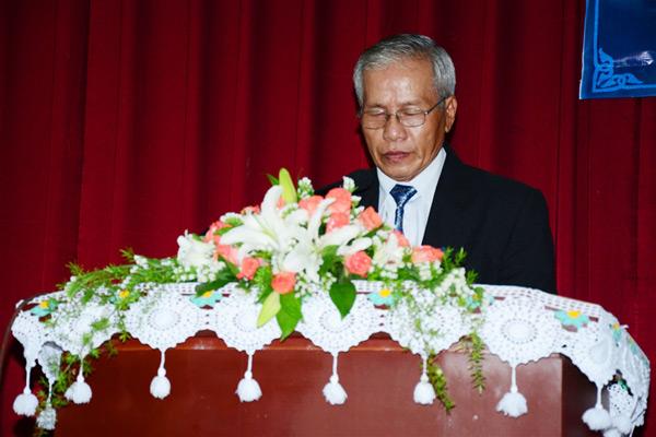 MS Nguyễn Thành Kính cầu nguyện khai lễ