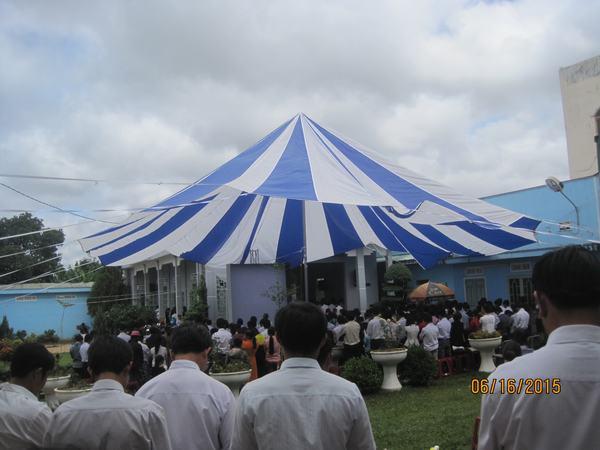 Quang cảnh Hội đồng