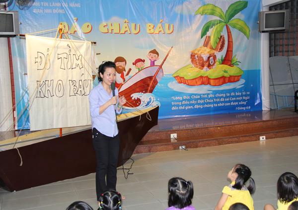 Chấp sự Trương Thị Thanh Tuyền, Ban giáo viên, phổ biến chương trình khoá học.