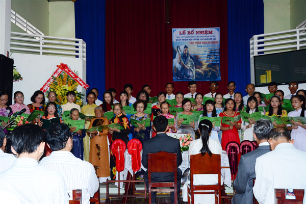 Ban hát lễ HT Vĩnh Long tôn vinh Chúa