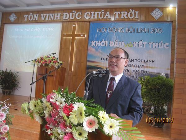 MS Lê Phương Thành chào mừng đại biểu