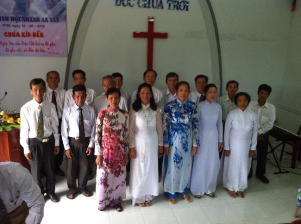 Ban hát Điểm nhóm Xuân Hòa tôn vinh Chúa
