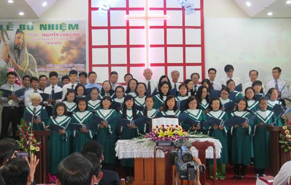 Ban hát Hội Thánh Nha Trang – tỉnh Khánh Hòa tôn vinh Chúa
