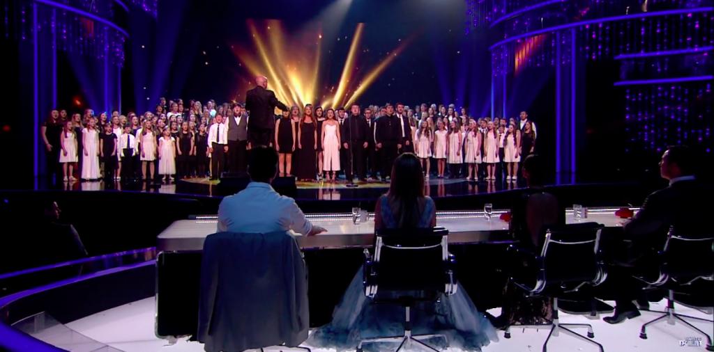 Tiết mục chung kết đem lại nhiều cảm xúc cho ban giám khảo và đông đảo khán giả.