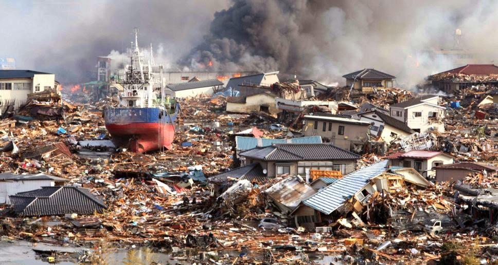 Thảm hoạ thiên nhiên thường gây hậu quả to lớn hơn cho những cộng đồng nghèo khó. Theo Bob White, đây là hậu quả của sự bất công mang tính nhân loại chứ không phải tại Chúa.