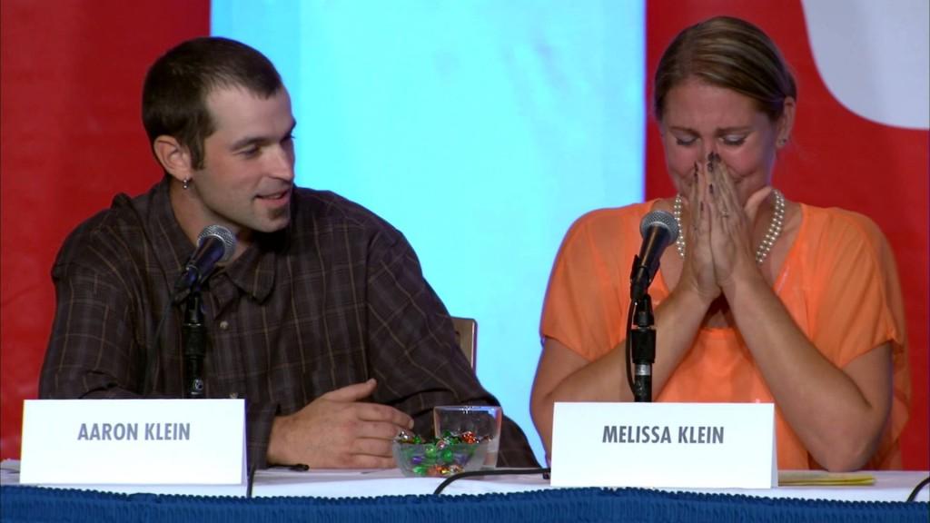 Chủ tiệm bánh Sweetcakes by Melissa trong một lần họp báo về vụ kiện vào năm 2014.