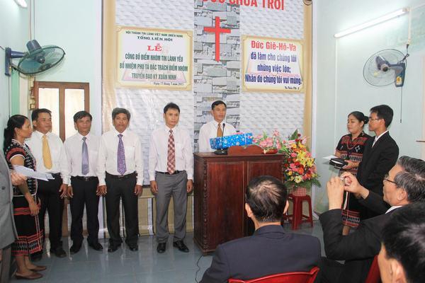 Ban Chấp sự Hội Thánh chúc mừng TĐ Kỳ Xuân Ninh