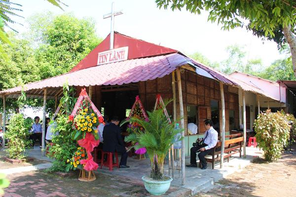 Nhà thờ Tin Lành Cẩm Nê