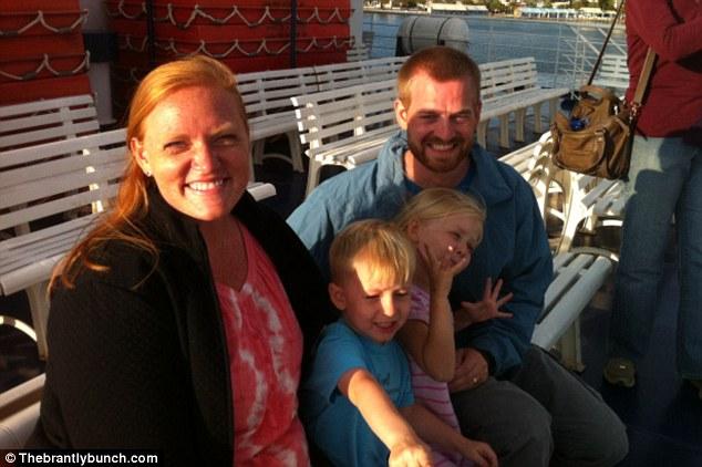 Gia đình nhỏ của Kent và Amber Brantly.