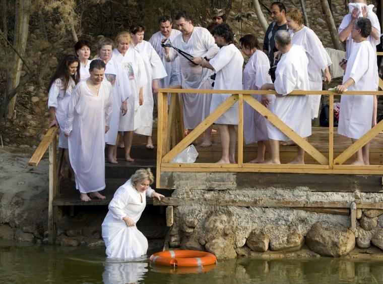 Nhiều Cơ Đốc nhân tìm đến khu vực này để làm phép Báp-tem vì ý nghĩa quan trọng của nó.