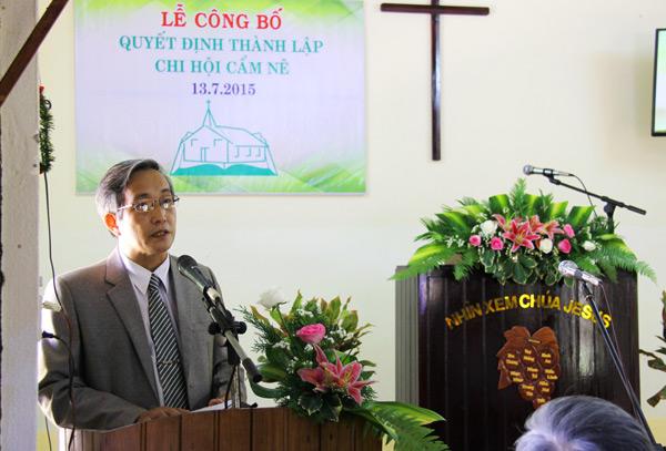 Mục sư Nhiệm chức Nguyễn Văn Tiên, Quản nhiệm Hội Thánh, hướng dẫn chương trình