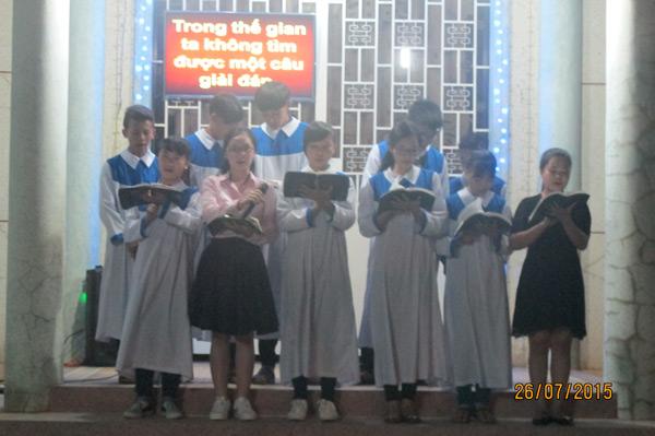 Ban Thiếu niên ngợi khen Chúa