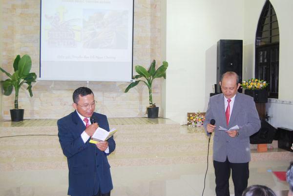 Truyền đạo Phạm Anh Tú và anh Phi Long bình luận câu chuyện
