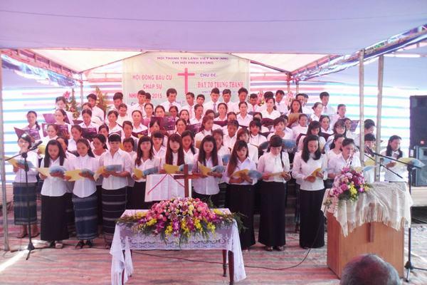 Ban hát HT. Đà Lơ Nghit góp phần tôn vinh Chúa