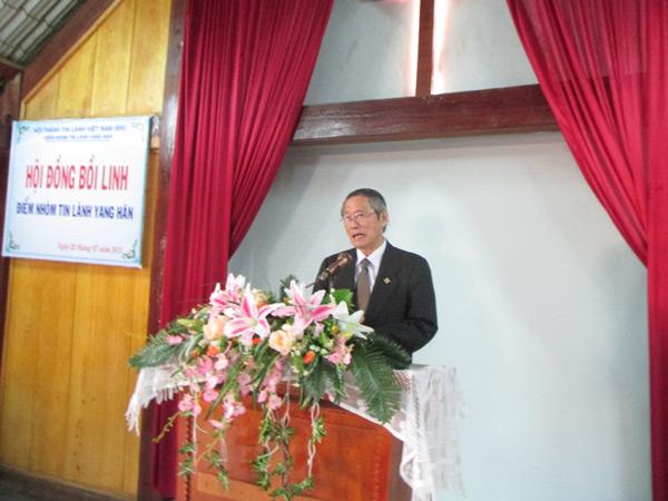 Mục sư Thái Phước Trường - Phó Hội trưởng I - giảng bồi linh