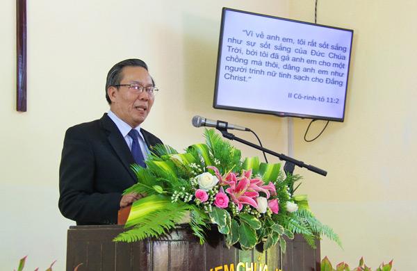 Mục sư Võ Đình Đán, Ủy viên TLH, giảng Lời Chúa