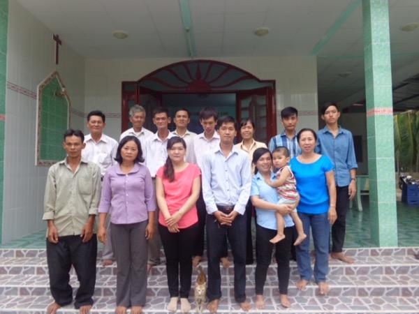 Chụp hình lưu niêm Ban truyền giáo Hội Thánh Tiền Giang