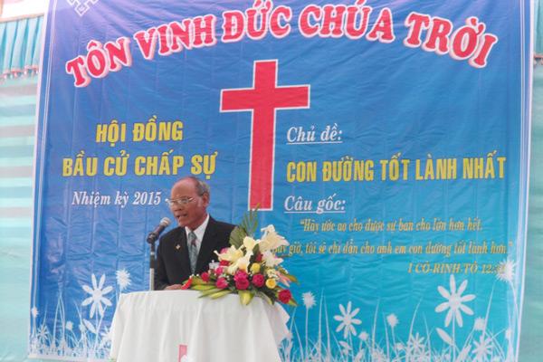 MS Cilmúp Ha Kar rao giảng Lời Chúa