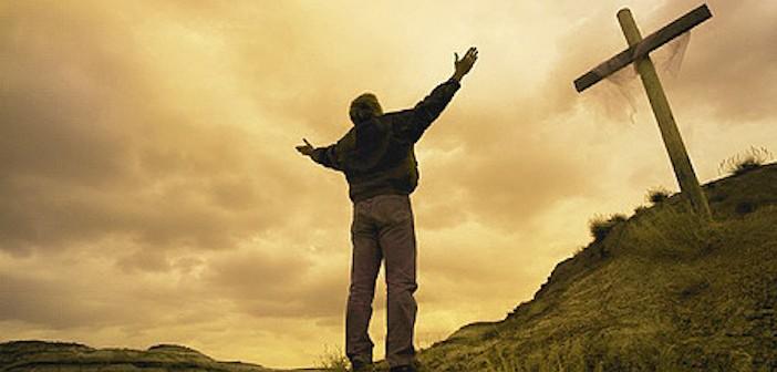 Praise-God-christianity-30399917-450-227