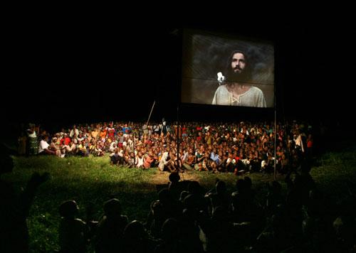 Dự án phim này đã giúp đem Phúc Âm đến với hàng triệu người trong chính ngôn ngữ mẹ đẻ của họ.