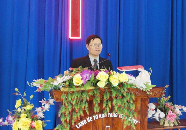 MS Huỳnh Duy Linh rao giảng Lời Chúa.