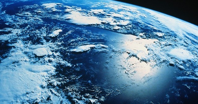 1-exo-planet-earth-from-space-1408030231686