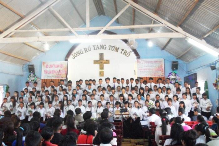 Ca đoàn khu vực Lâm Hà tôn vinh Chúa