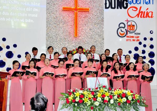 Ban hát Trung Tráng niên HT Ma Lâm.