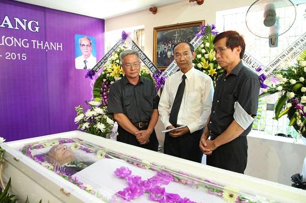 MS Nguyễn Hữu Bình, Phó Hội Trưởng Thứ 2 đến phân ưu.